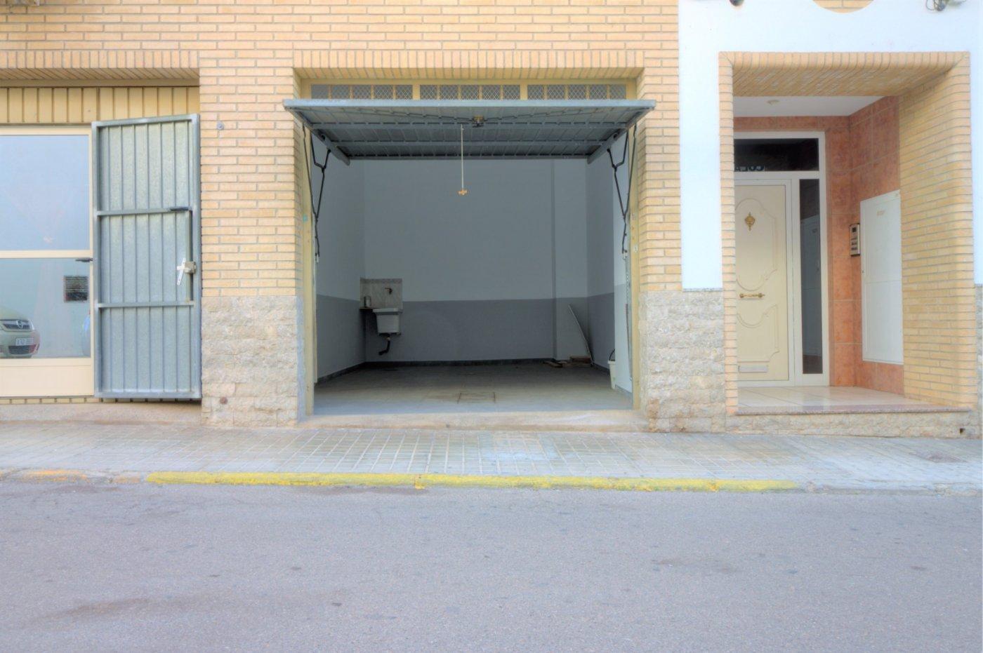 garaje en almenara · pueblo-lepanto 16000€