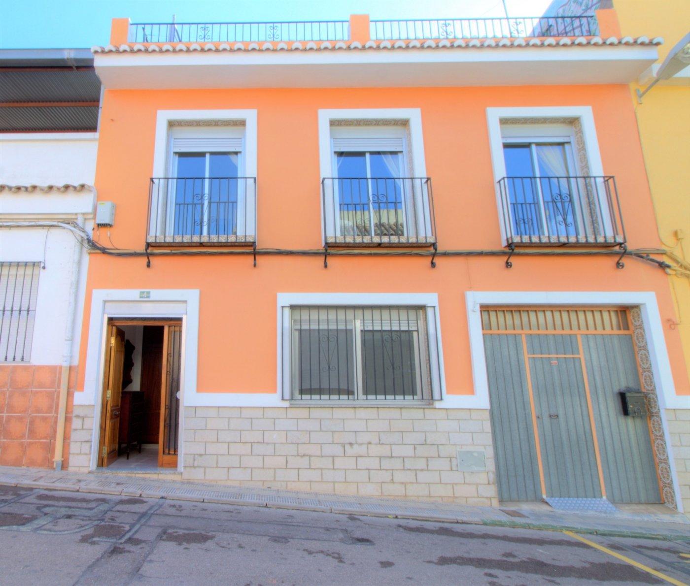 casa en almenara · pueblo-centro 600€