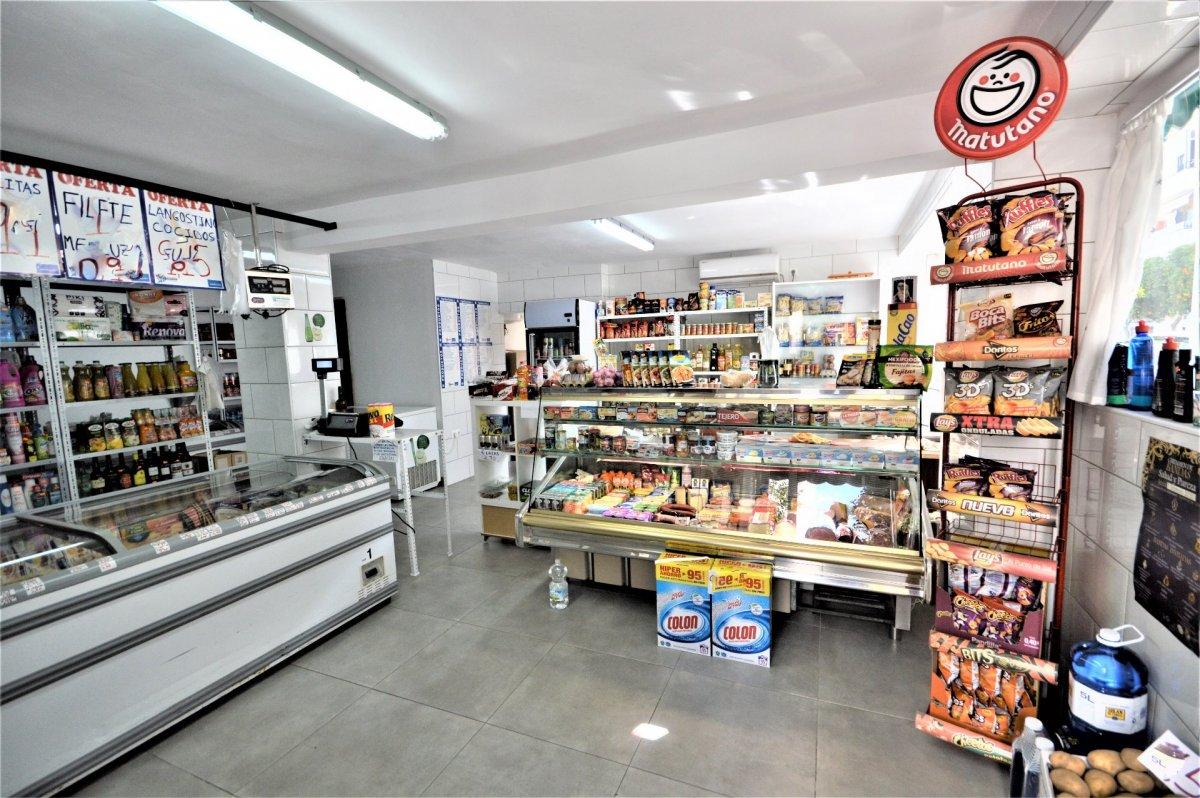 local-comercial en jerez-de-la-frontera · oeste 68000€