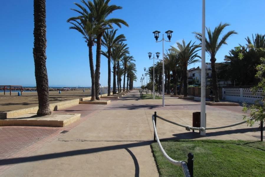 Chalet Independiente en 1ª linea de playa ubicado en Pobla de Farnals 9