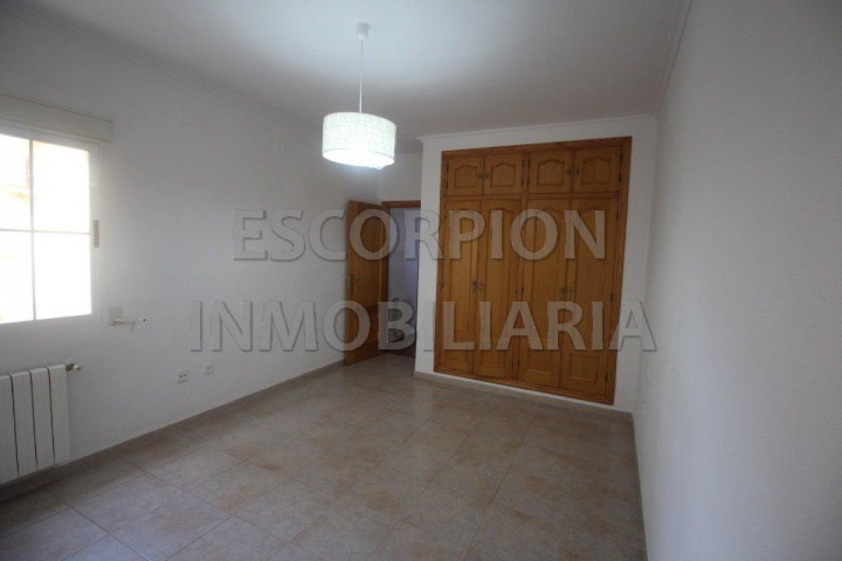 Chalet independiente en venta en La Eliana (Urbanización Entrepinos) 7