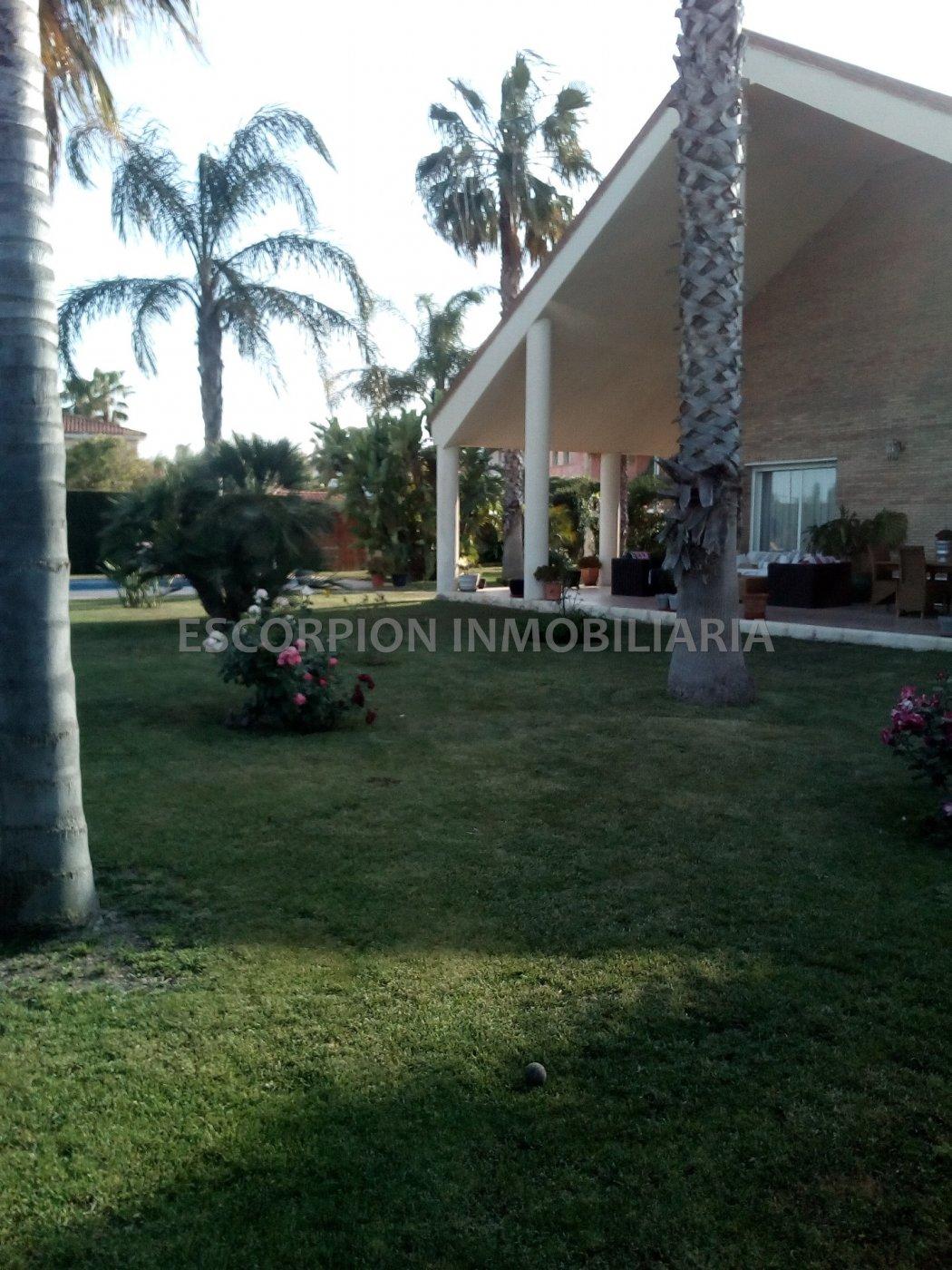 Casa independiente en alquiler en Colinas de San Antonio de Benagéber 2
