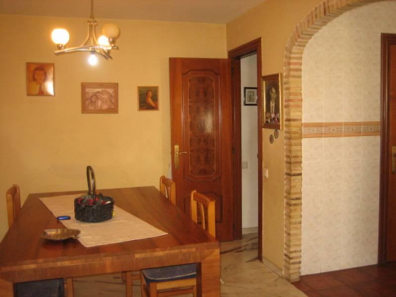 Casa de pueblo de tres alturas ubicada en Burjassot 3