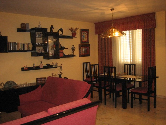 Casa de pueblo de tres alturas ubicada en Burjassot 7