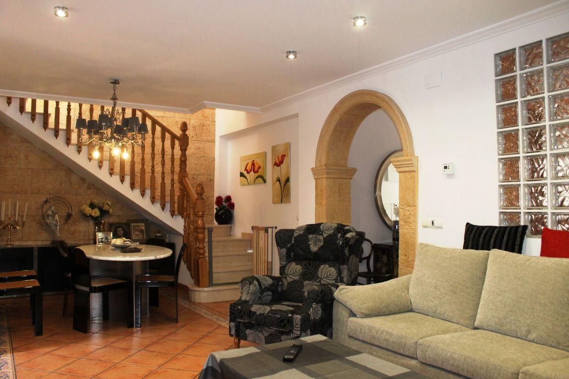 Bonita casa de pueblo amplia y reformada ubicada en Burjassot, junto a Casas Verdes 4