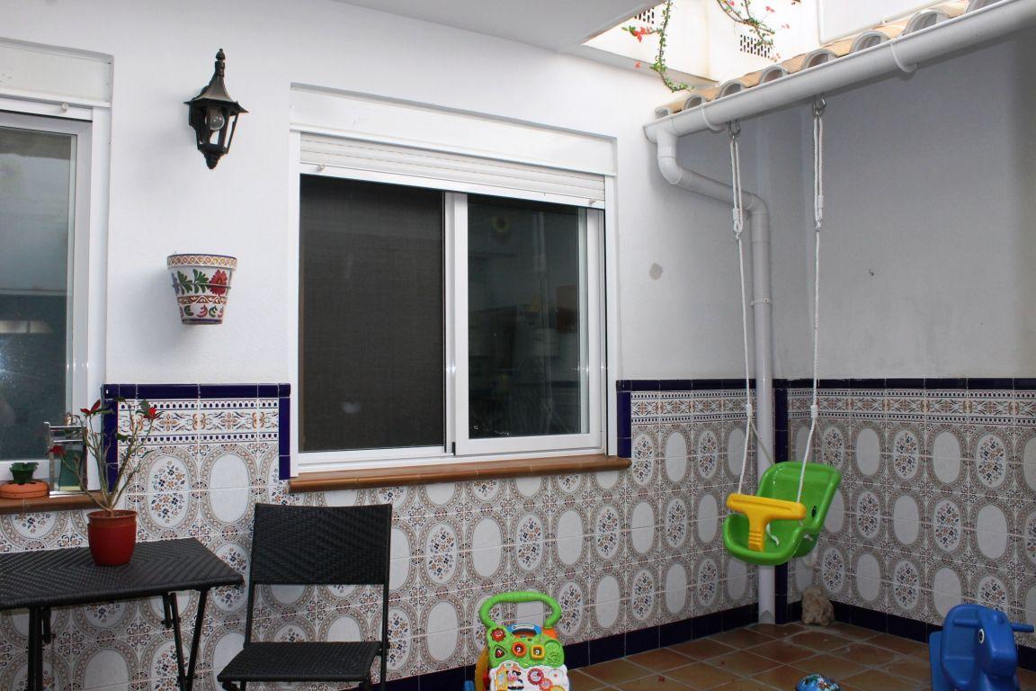 Bonita casa de pueblo amplia y reformada ubicada en Burjassot, junto a Casas Verdes 6