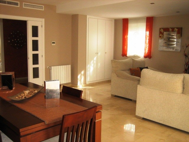 Magnifica Casa Pareada ubicada en Campolivar, urbanización con seguridad privada. 2
