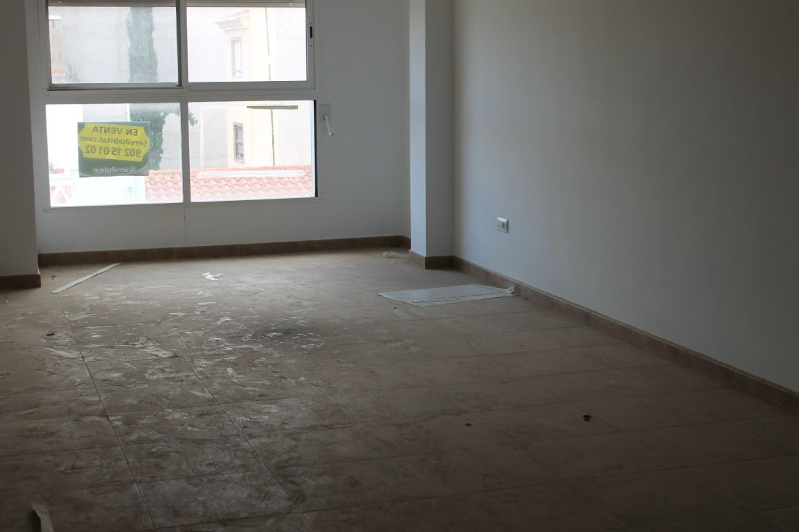 piso con terraza en pleno casco urbano de La Pobla de Vallbona procedente de entidad bancaria 2