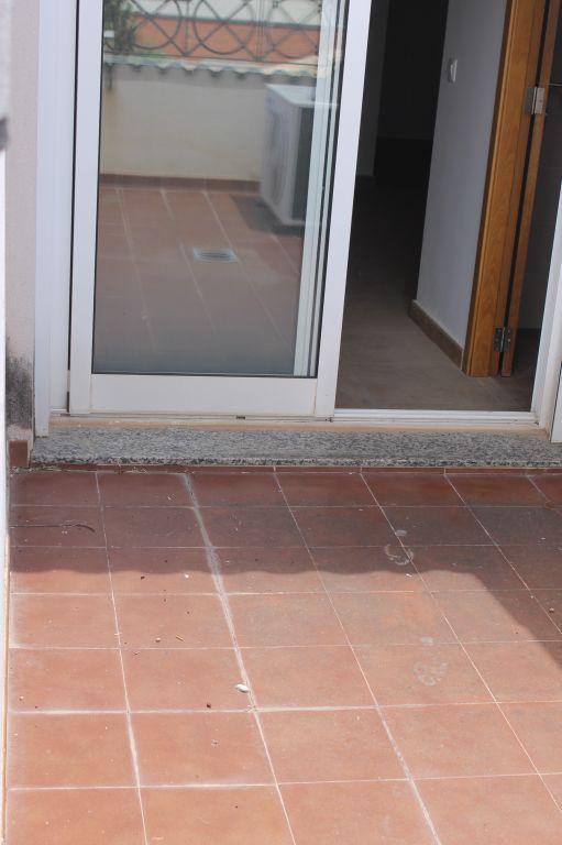 piso con terraza en pleno casco urbano de La Pobla de Vallbona procedente de entidad bancaria 8