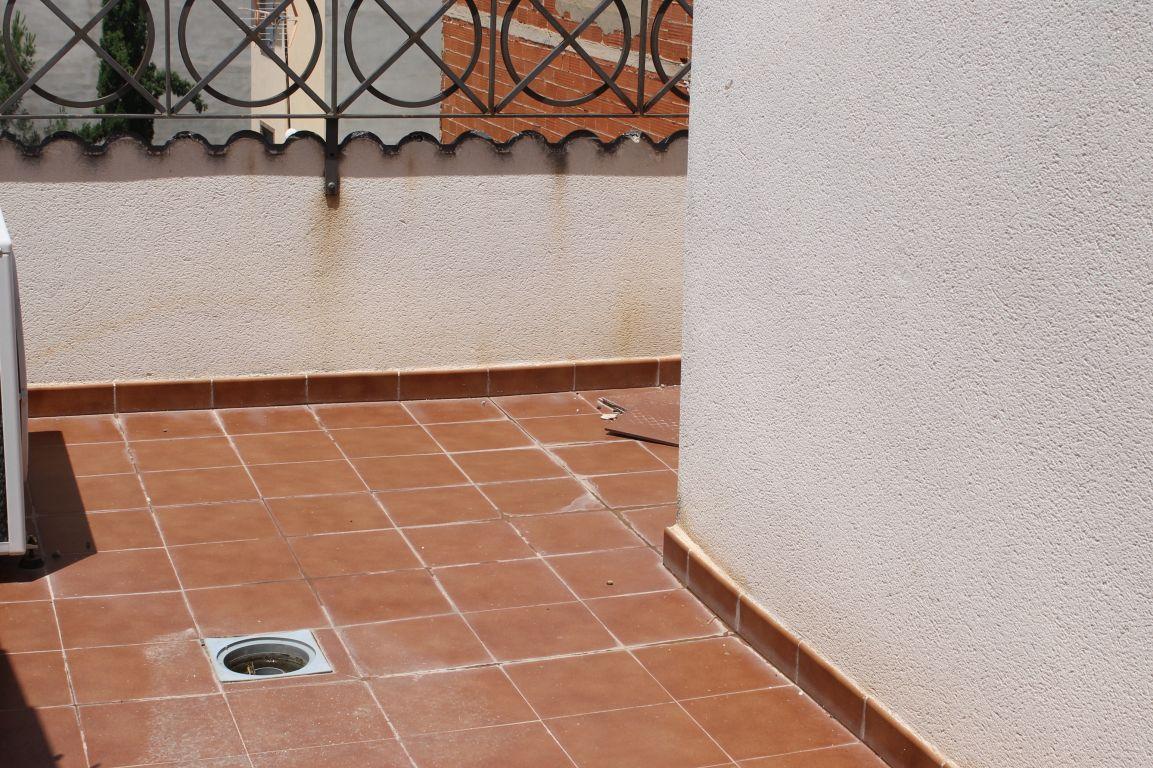 piso con terraza en pleno casco urbano de La Pobla de Vallbona procedente de entidad bancaria 9