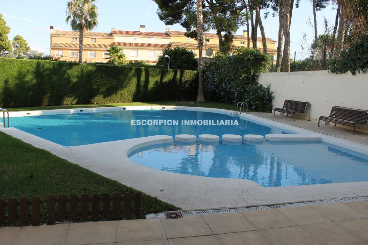 Casa chalet independiente en Campolivar