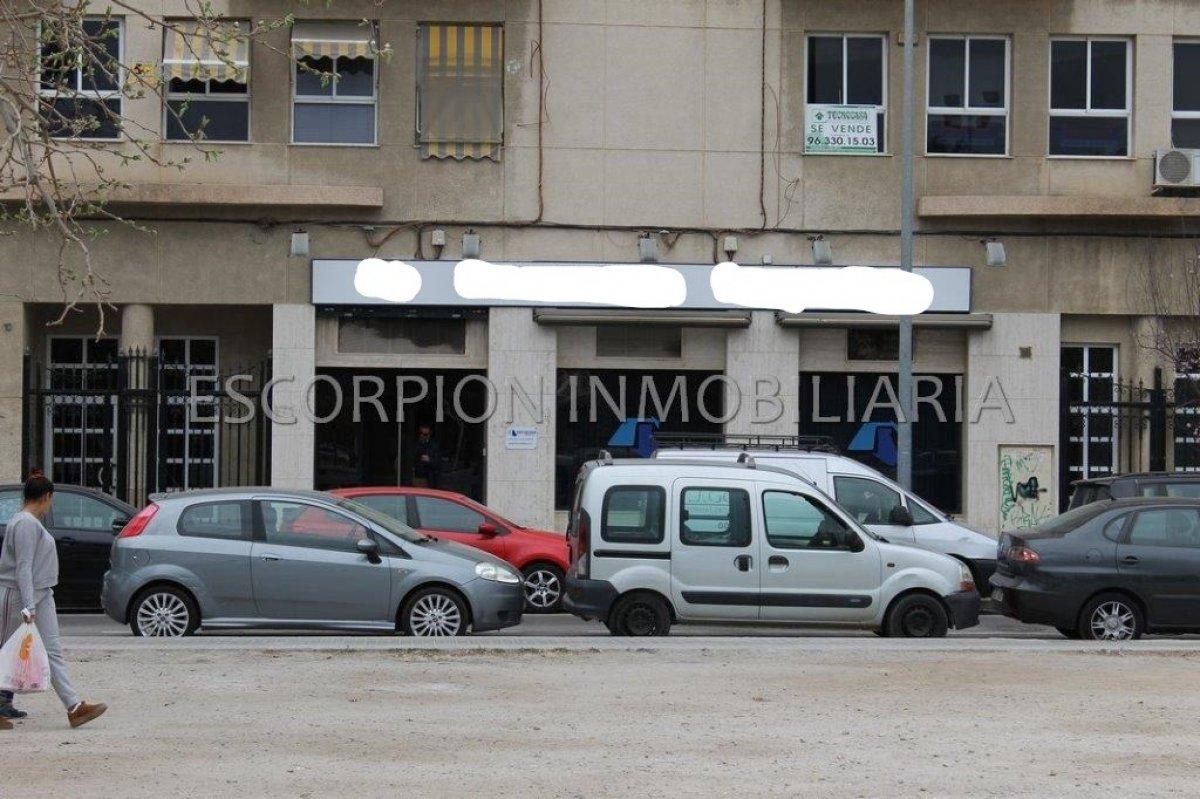 Local comercial - oficina en alquiler en Avd. Del Puerto de Valencia