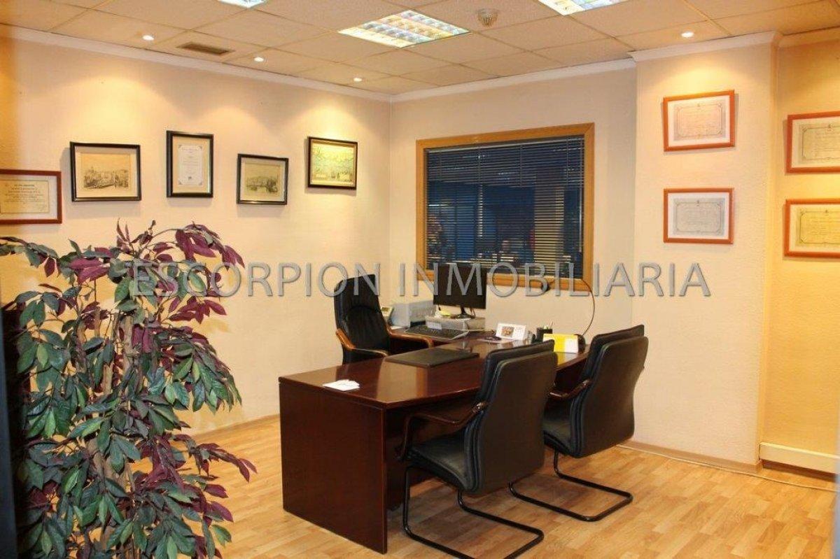 Local comercial - oficina en alquiler en Avd. Del Puerto de Valencia 7