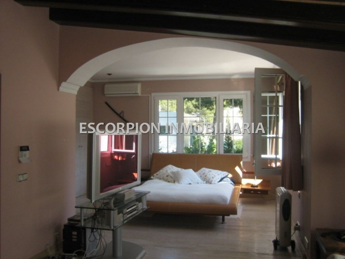 Chalet independiente en alquiler ubicado en Campolivar (Godella) 4