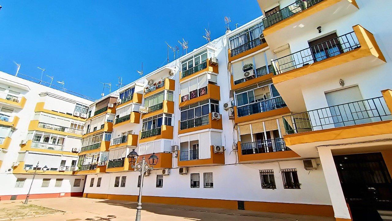 piso en castilleja-de-la-cuesta · centro 66900€