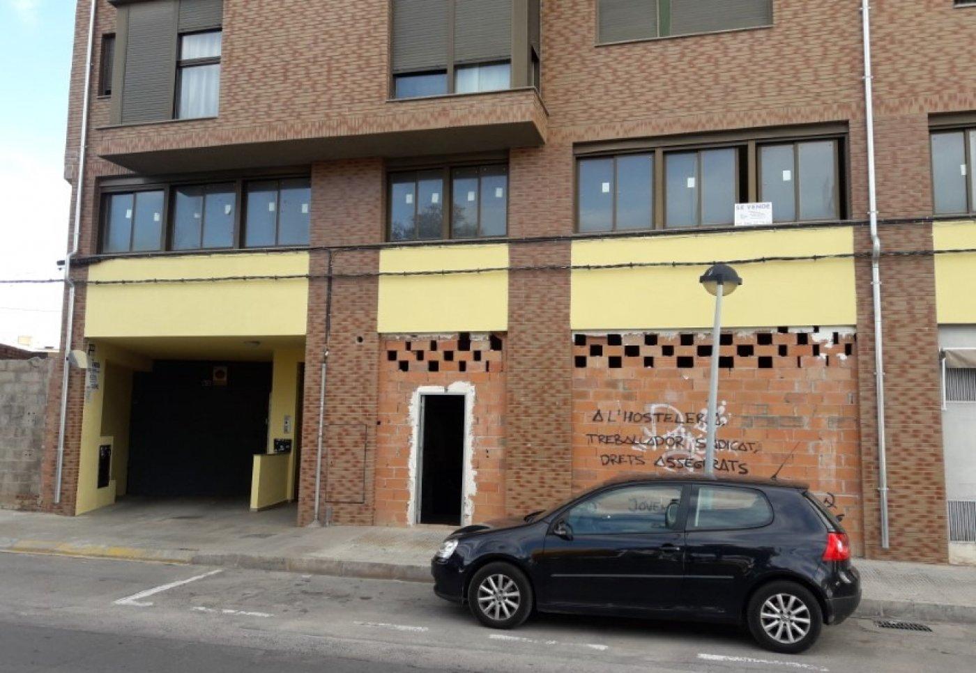 Nave industrial en Vila - real (Avenida Italia)