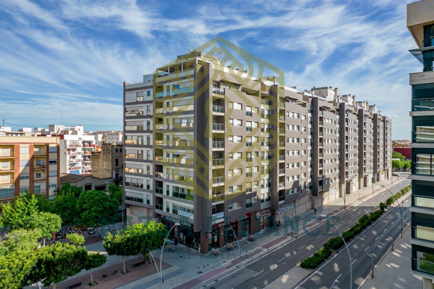 Ático Dúplex con terraza de 25 metros cuadrados