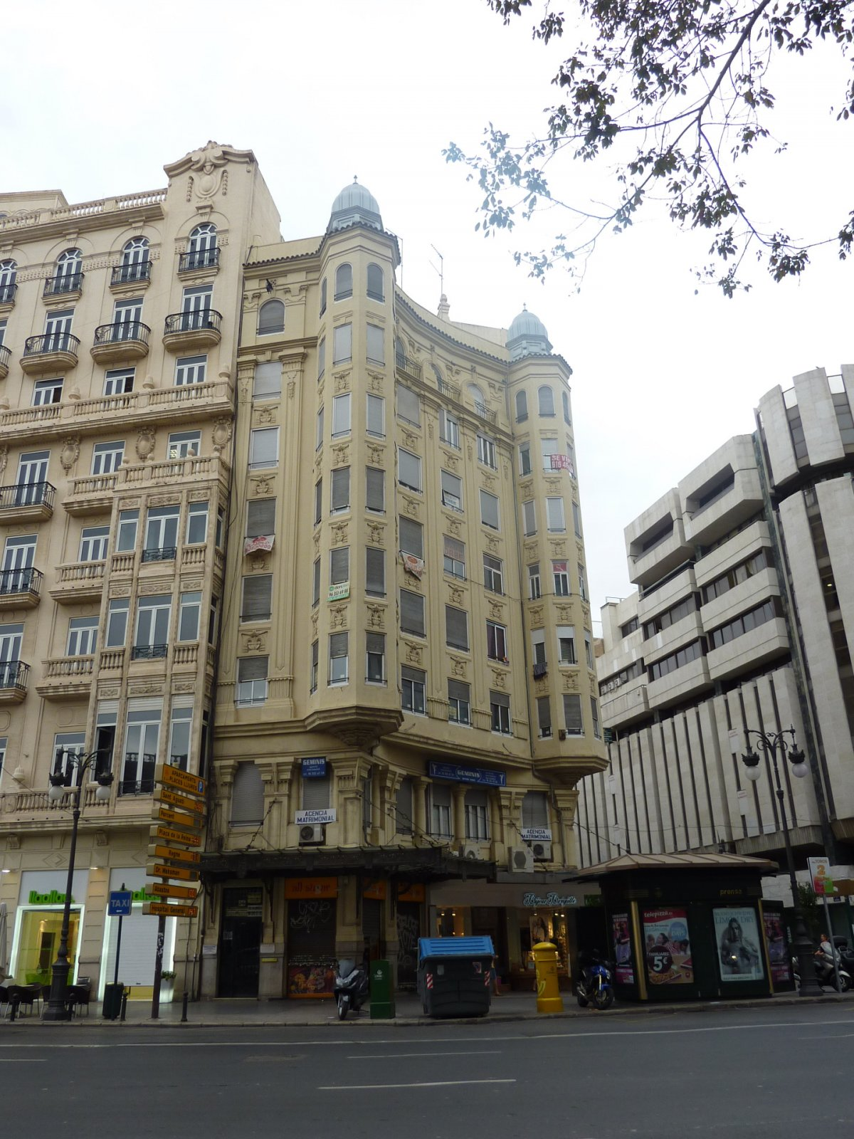 oficina en valencia · la-roqueta 595€