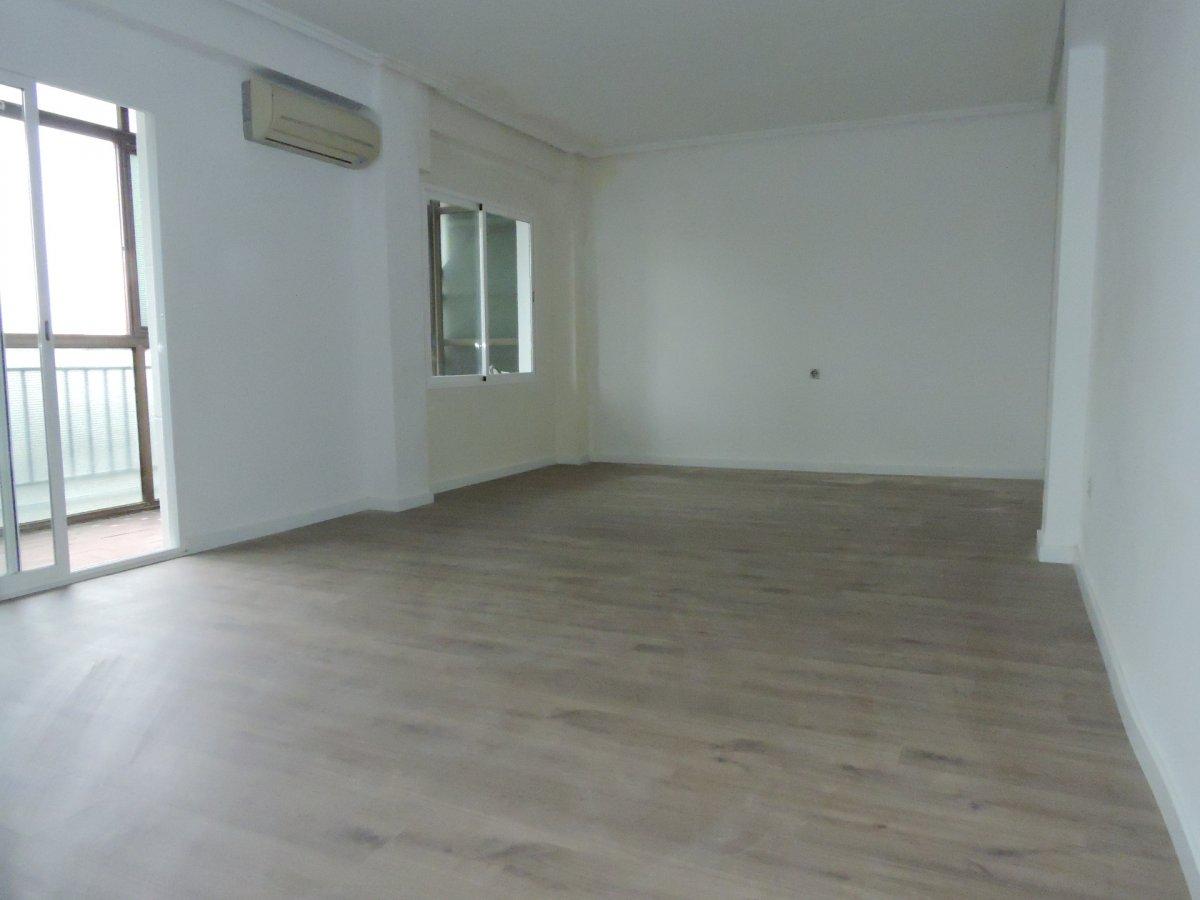piso en valencia · marxalenes 129900.40766751€
