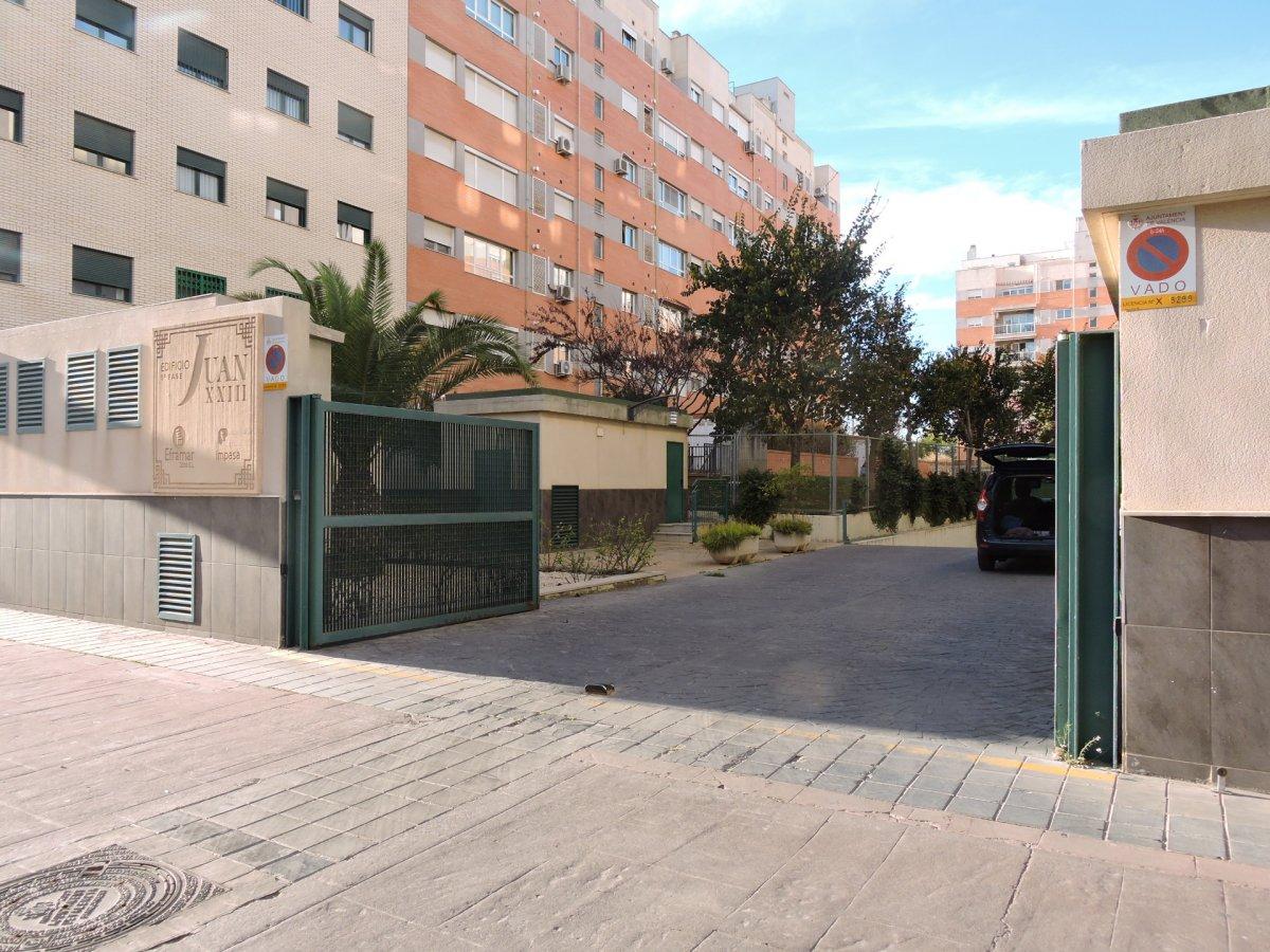 garaje en valencia · nou-benicalap---nuevo-benicalap 60€