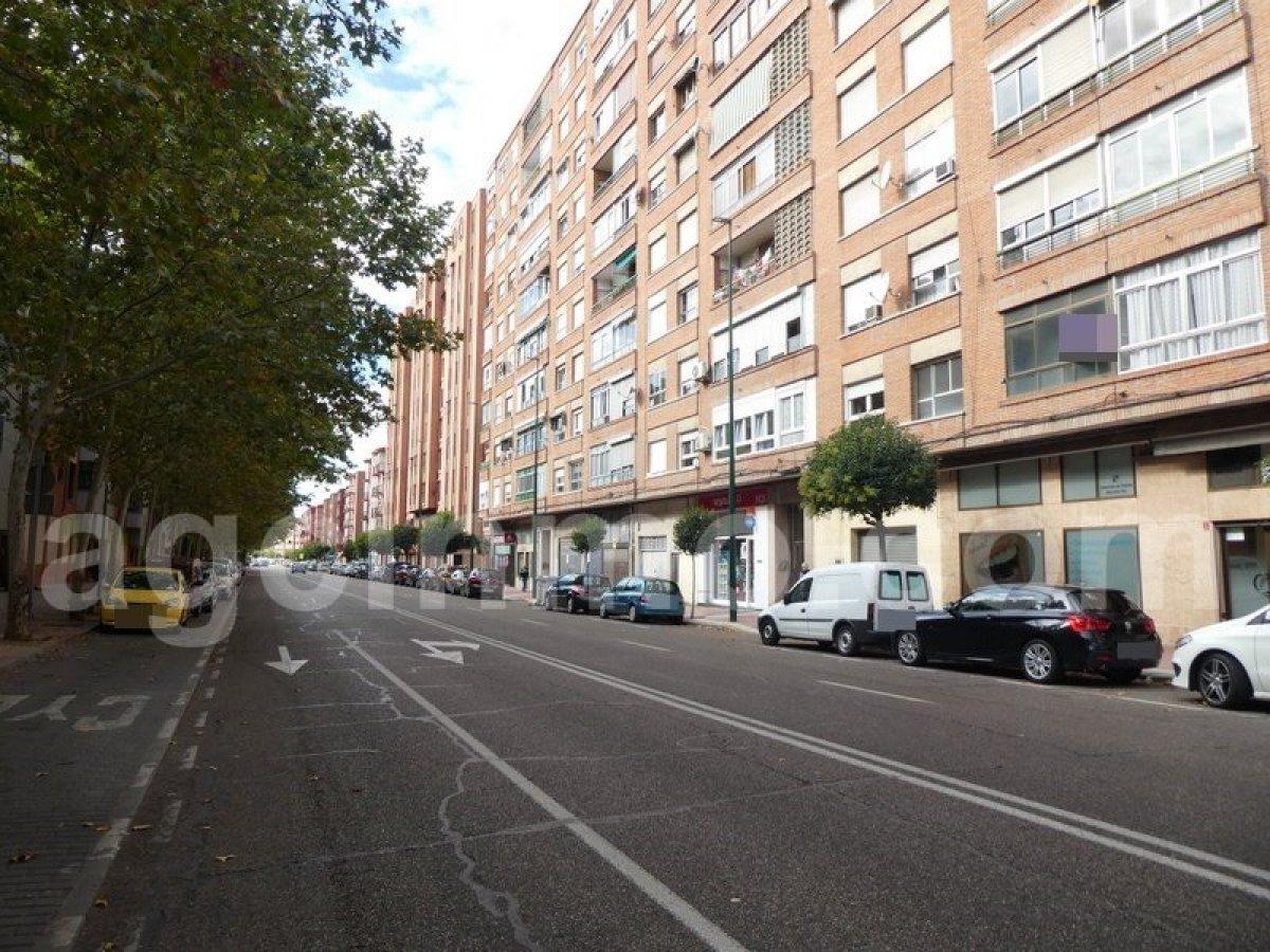 Piso en venta en Delicias, Valladolid