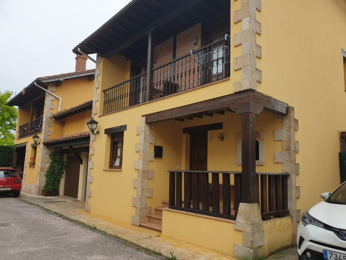 Chalet en venta en Cabezon de la Sal  de 4 Habitaciones, 2 Baños y 156 m2 por 228.500 €.