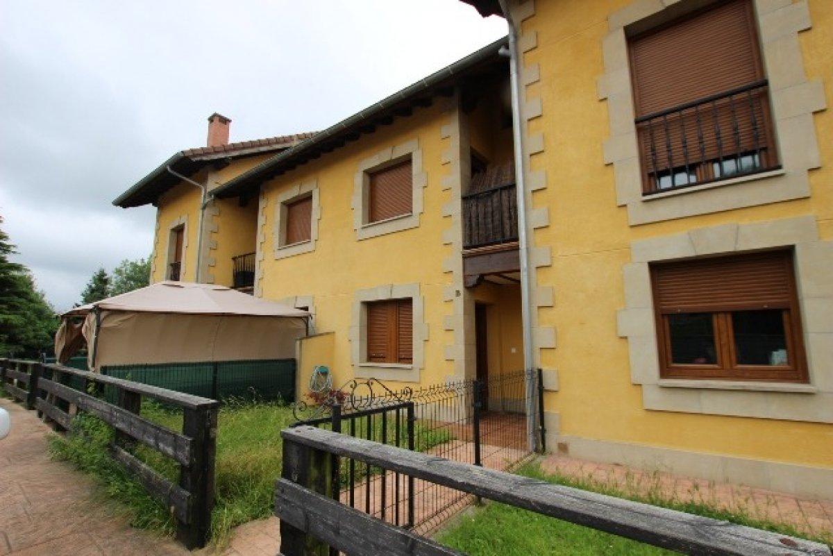 Chalet en venta en Reocin  de 3 Habitaciones, 2 Baños y 147 m2 por 148.000 €.