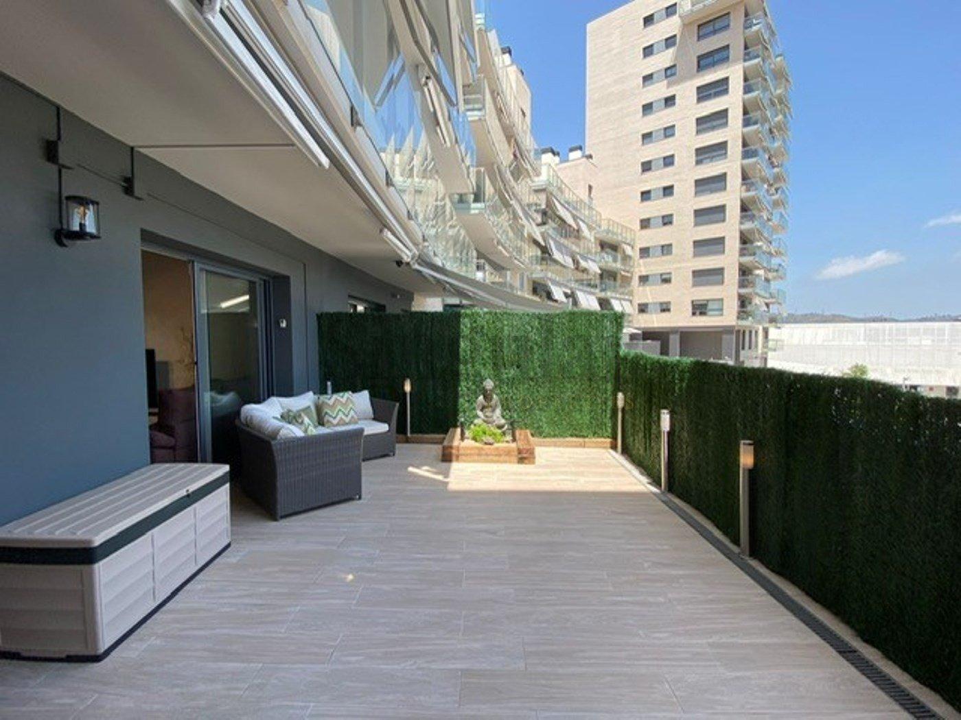 Apartamento planta baja en venta en La Teixonera, Barcelona