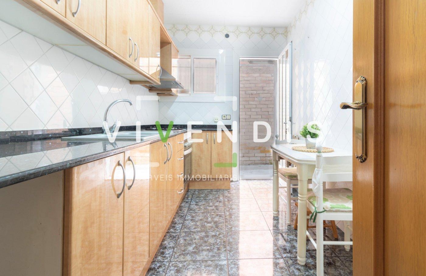 Casa · Sant Andreu De La Barca · Pla De L´Estació 264.000€€