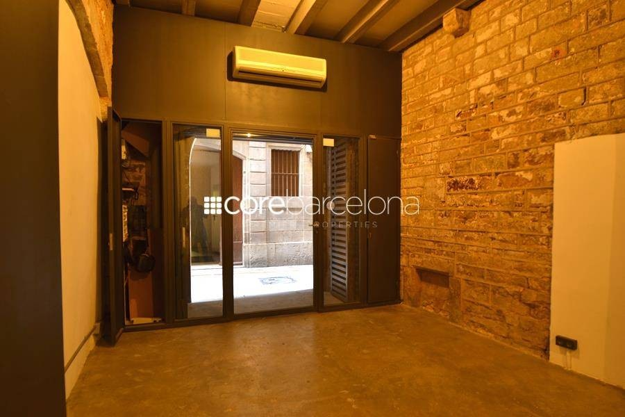 Beautiful home for rent in the heart of the Gothic Quarter of Barcelona.