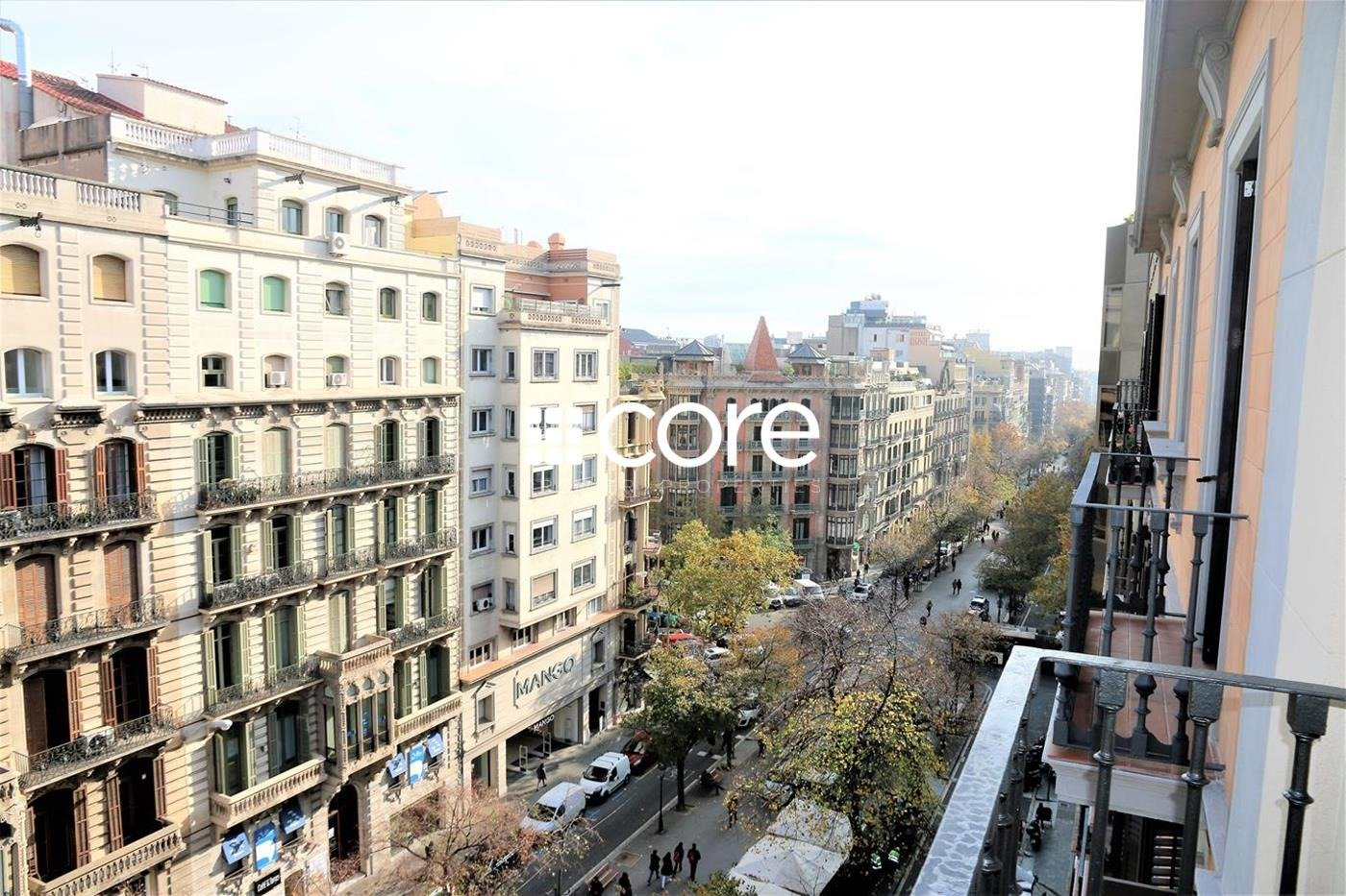 Recién rehabilitado en Rambla Catalunya