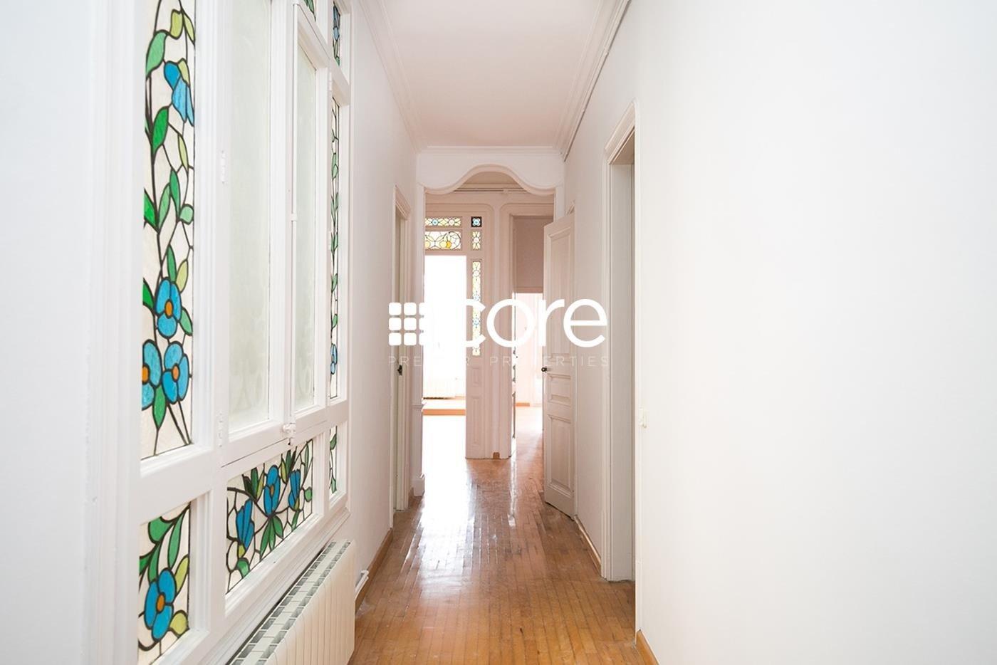 Piso en venta en finca modernista en el Quadrat d`Or del Eixample Dret de Barcelona