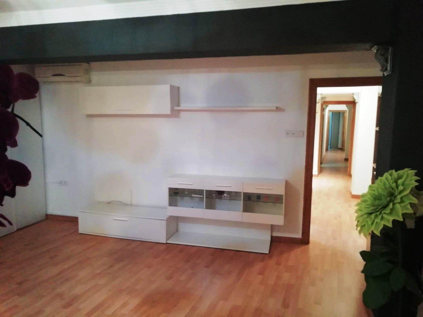 piso en molina-de-segura · centro 525€