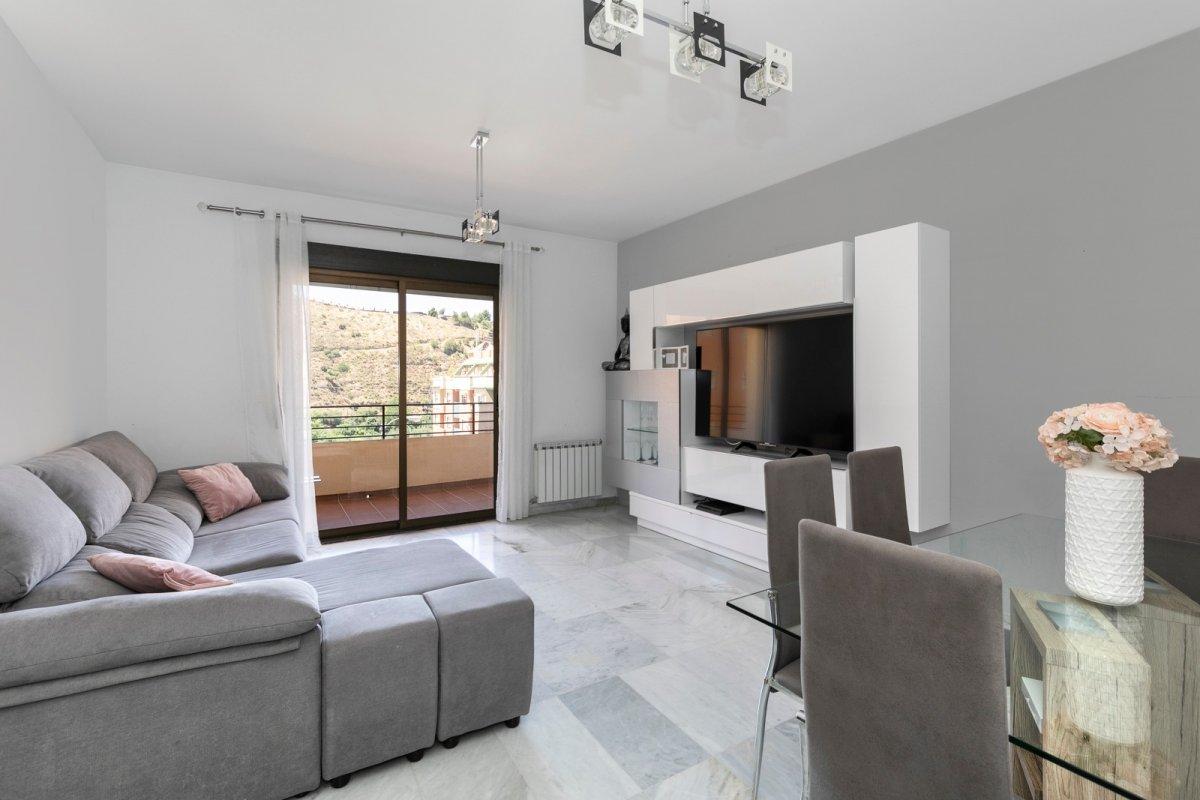 Elegante y luminoso piso en nuevo acceso a la alhambra