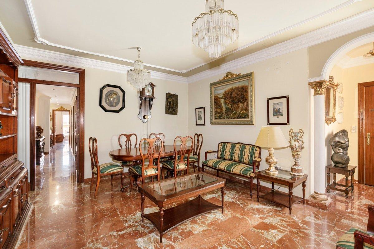 Estupendo piso en pleno centro de Granada, Plaza Trinidad