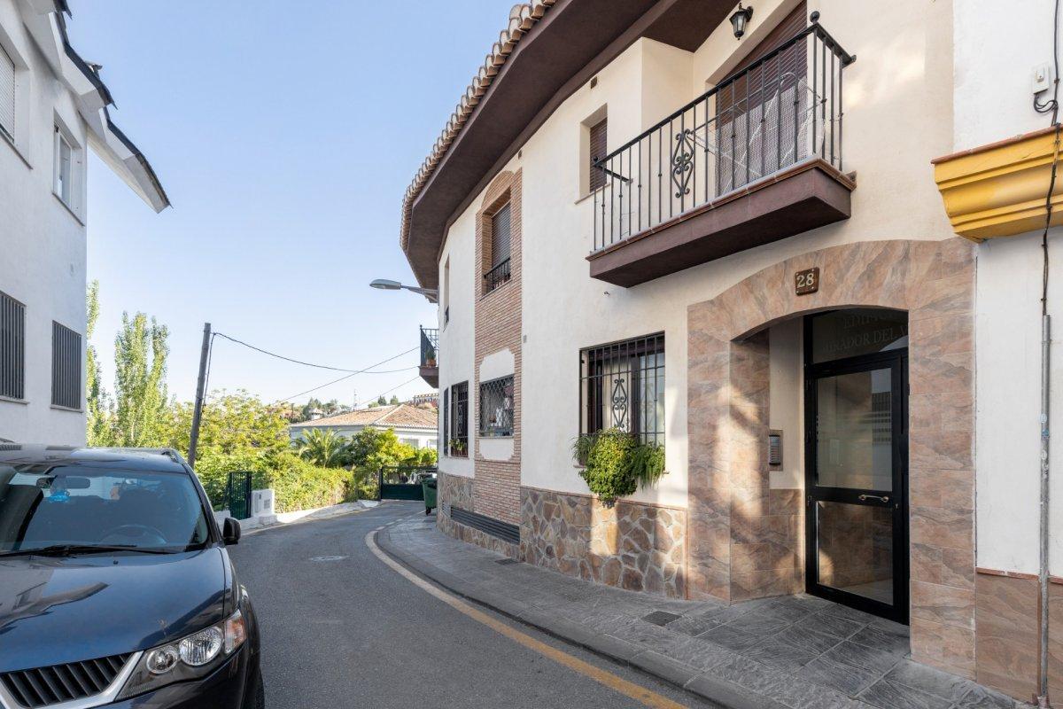 BONITO PISO EN EL BARRIO MONACHIL CON DOS HABITACIONES Y DOS BAÑOS, Granada