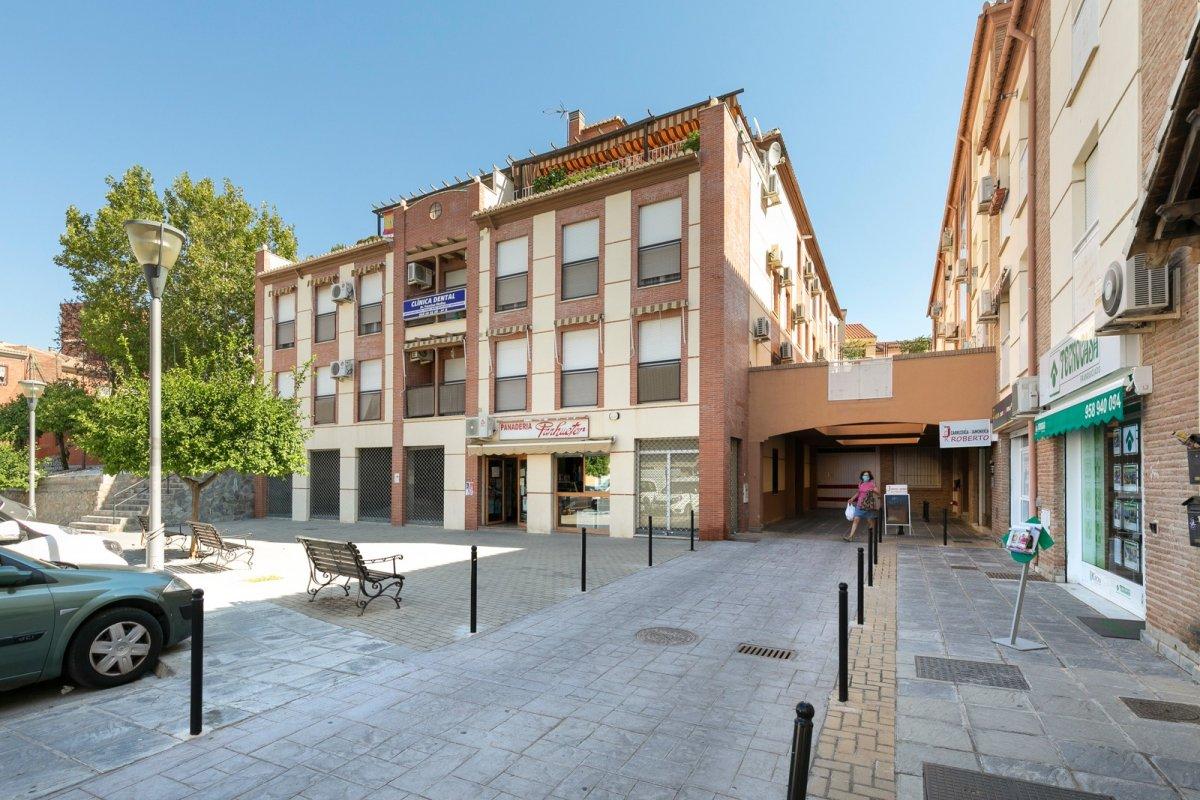 GRAN OPORTUNIDAD EN EL CENTRO DE HUETOR VEGA, Granada