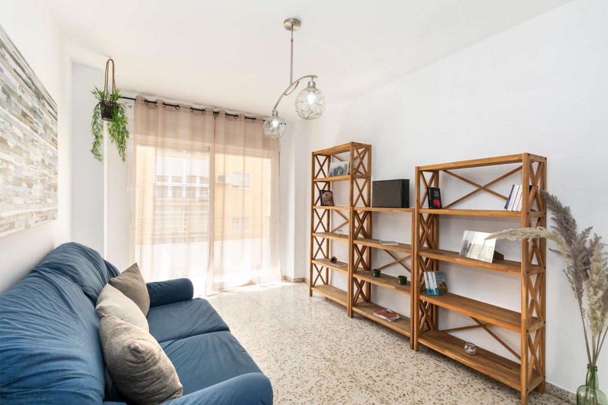 Vivienda 3 dormitorios con una excelente ubicación en Camino de Ronda frente Plaza Einstein., Granada