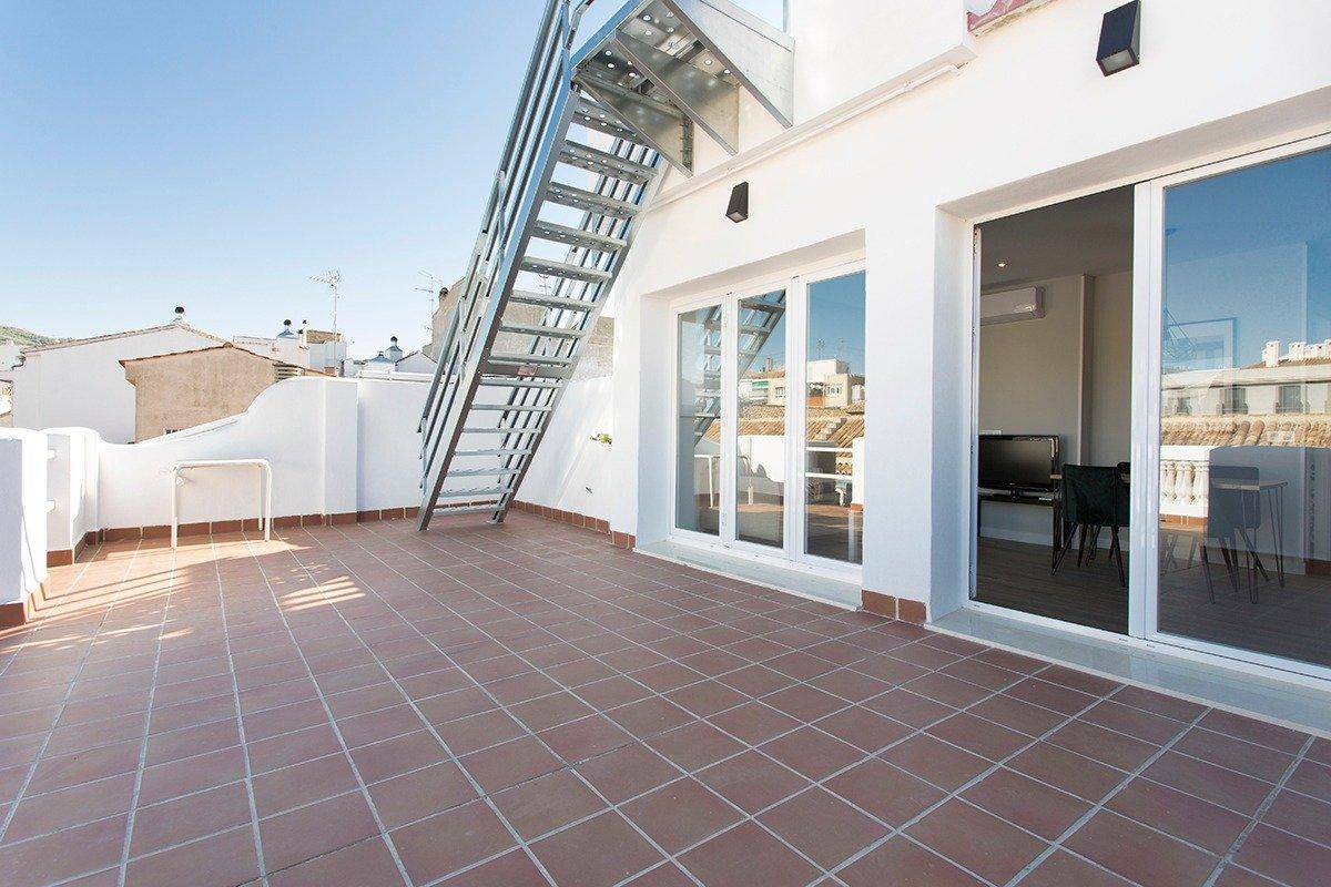 Apartamento ÁTICO para los que sueñan ALTO!!, Granada