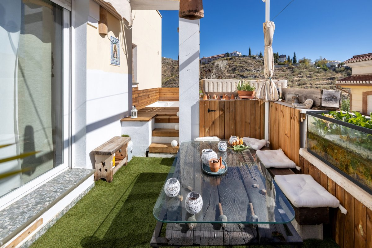 Piso con piscina en terraza., Granada