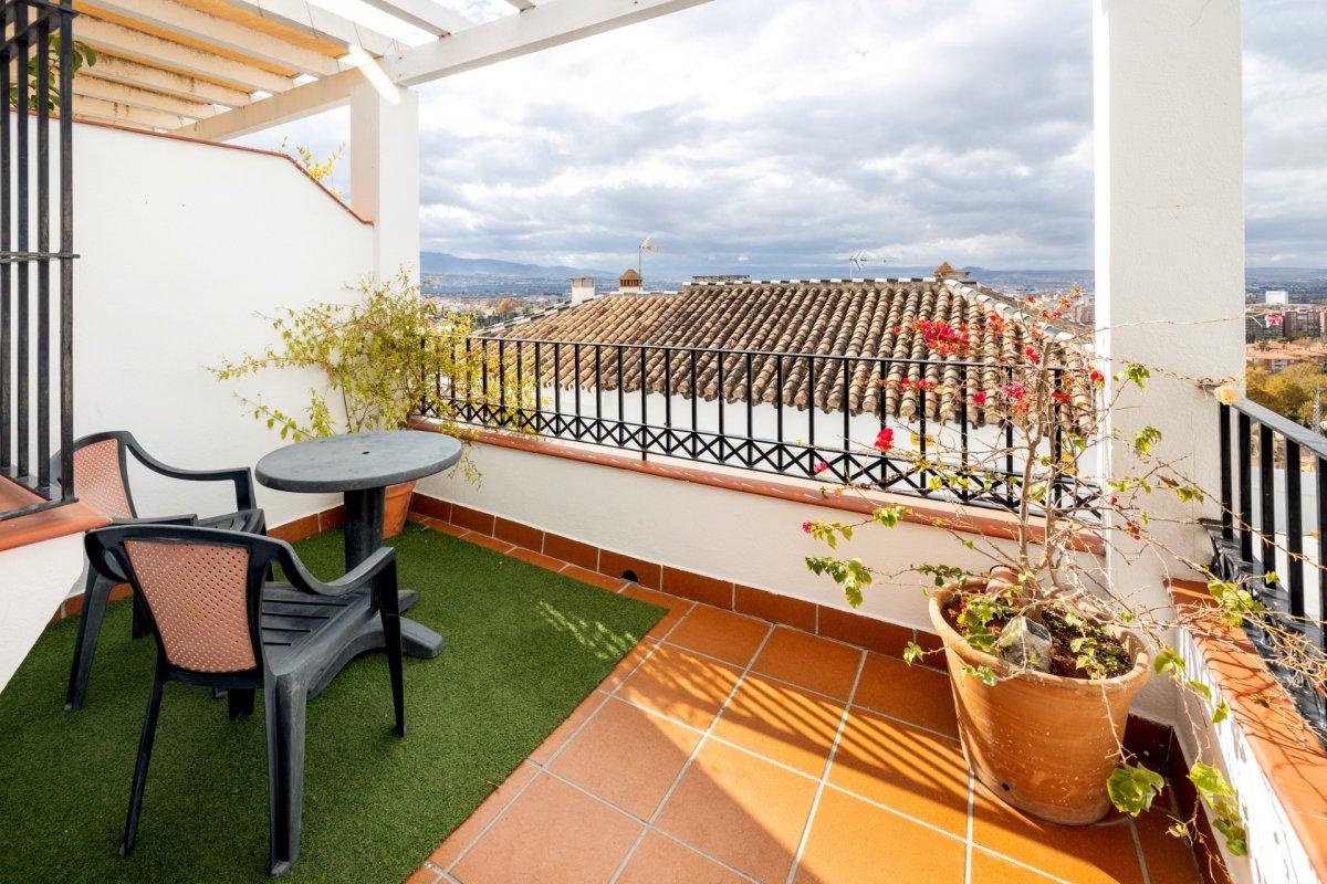 Adosada en el Barranco del Abogado, Granada