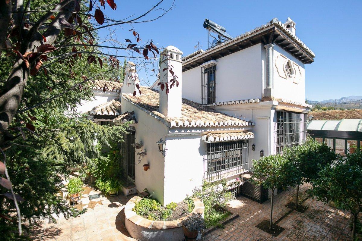 EXCLUSIVA VILLA ANDALUZA EN GOJAR, Granada
