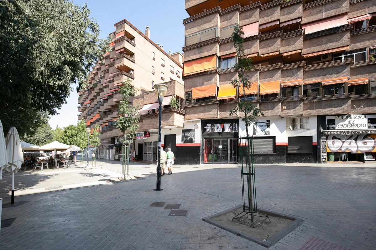 Atico en plaza Albert Einstein, con 25 metros de terraza, con plaza de garaje y trastero., Granada