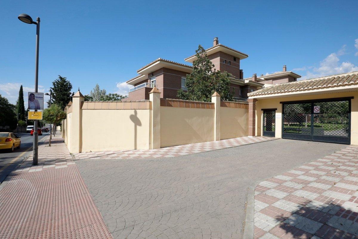 Espectacular piso en urbanización Santa Rita La Zubia, Granada