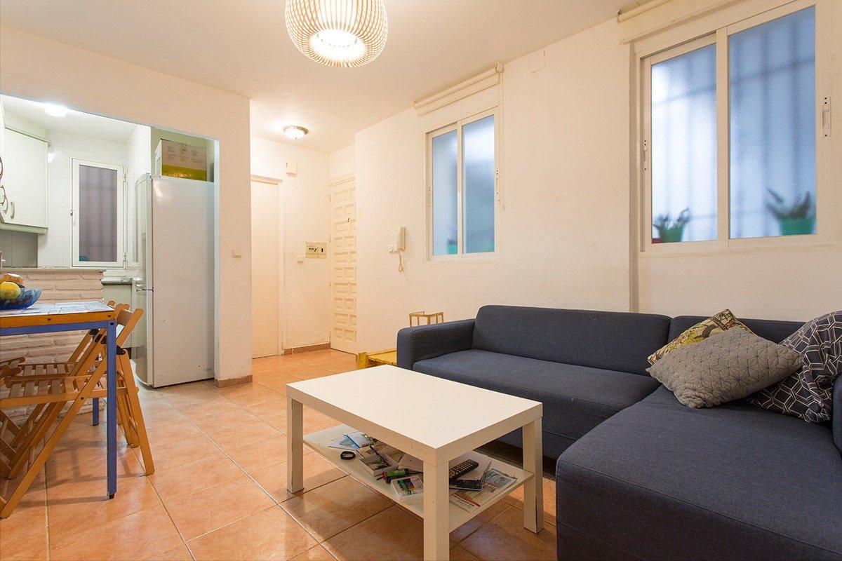 Fabuloso apartamento dos dormitorios – zona alhamar – san antón