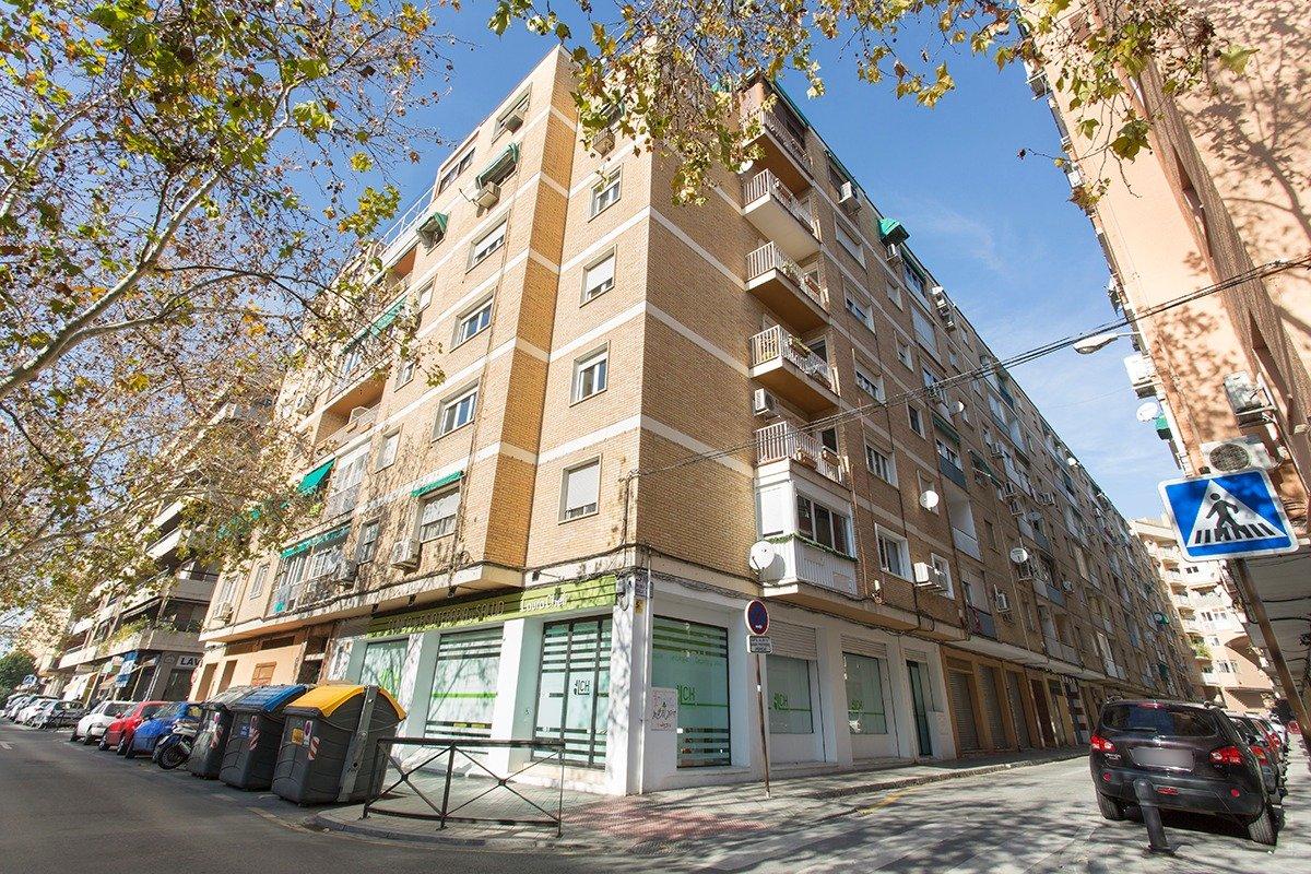 Bonito piso junto alhamar – 3 dormitorios – 85m2