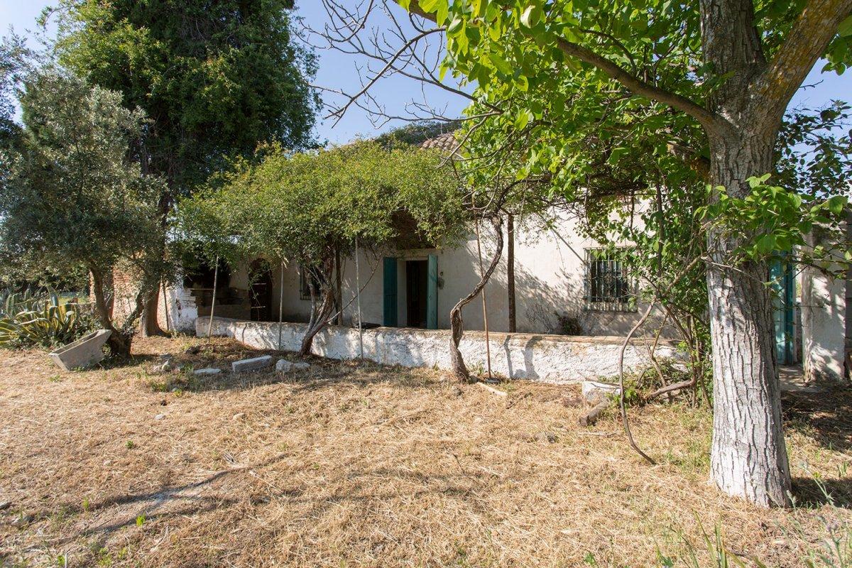 Oportunidad venta casa con terreno en otura cercano al campo de golf santa clara granada, inversión