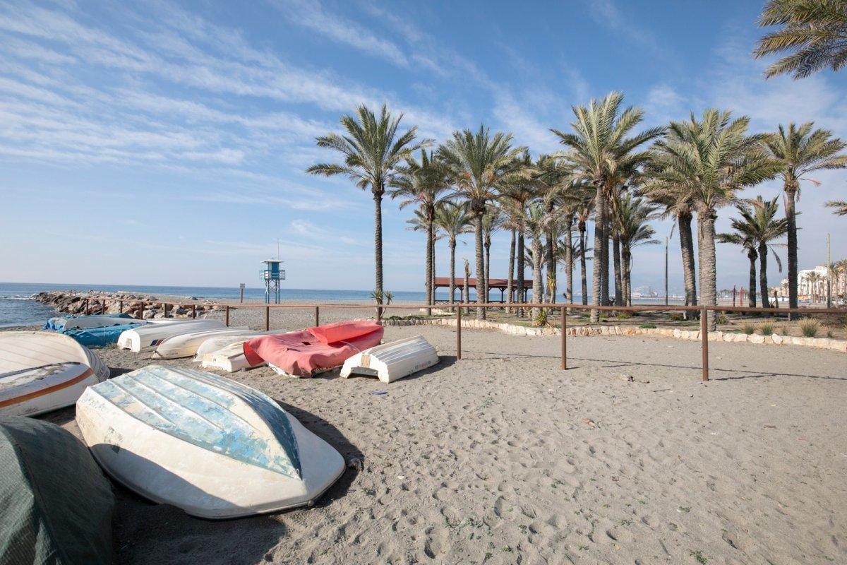 ¡Fantástica oportunidad en Urb. Maraute frente al mar!, Granada