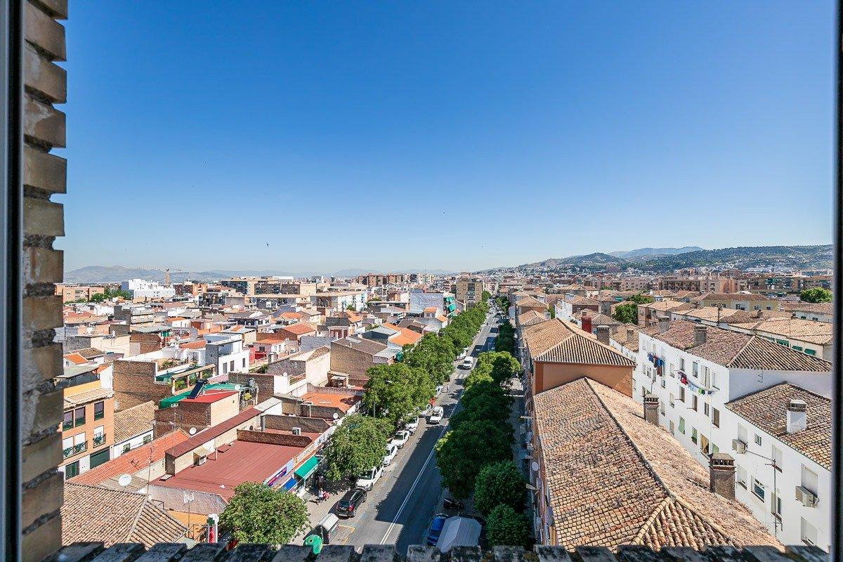 PISO CON ESPECTACULARES VISTAS JUNTO AL PTS, Granada