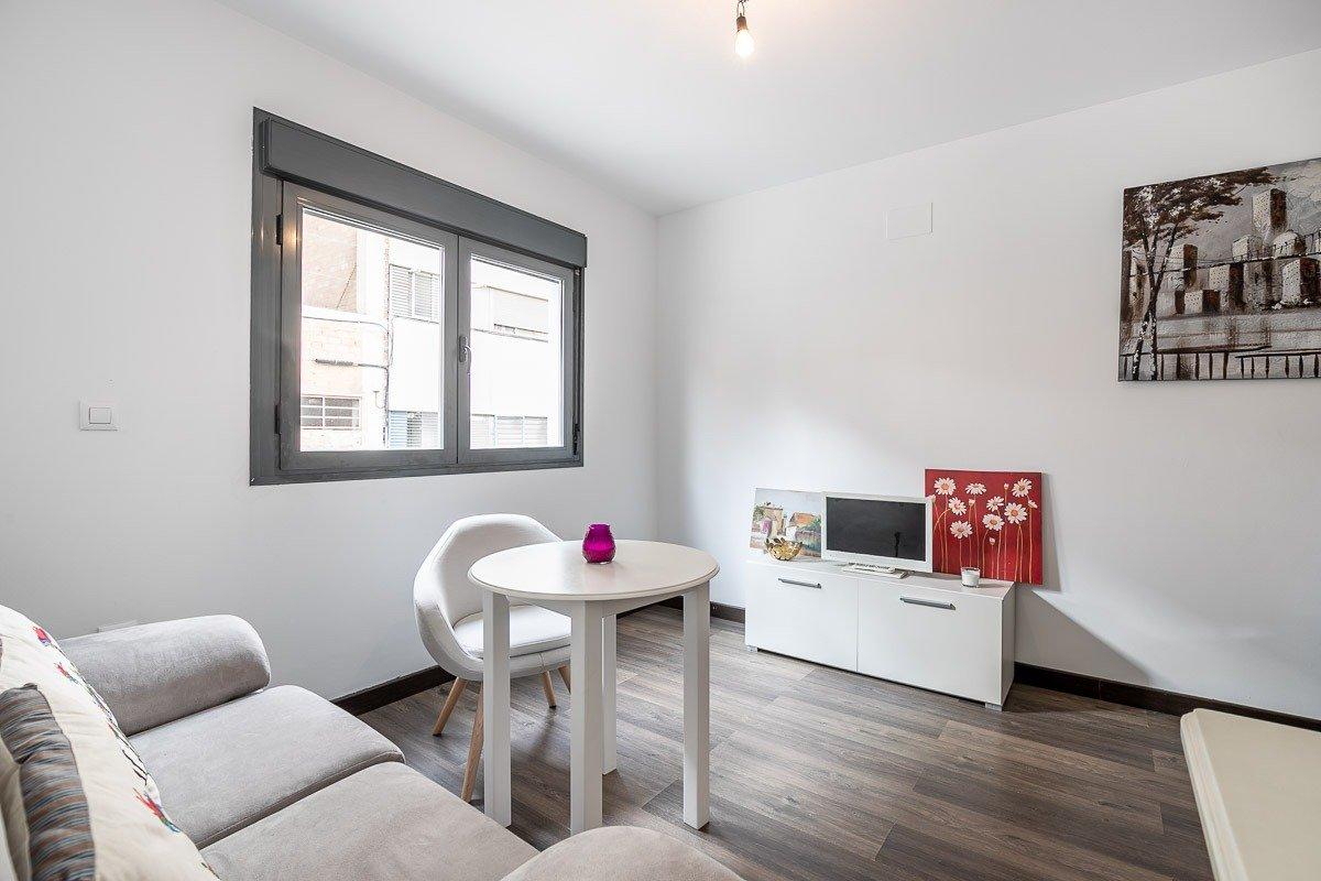Precioso apartamento en la avenida principal de armilla